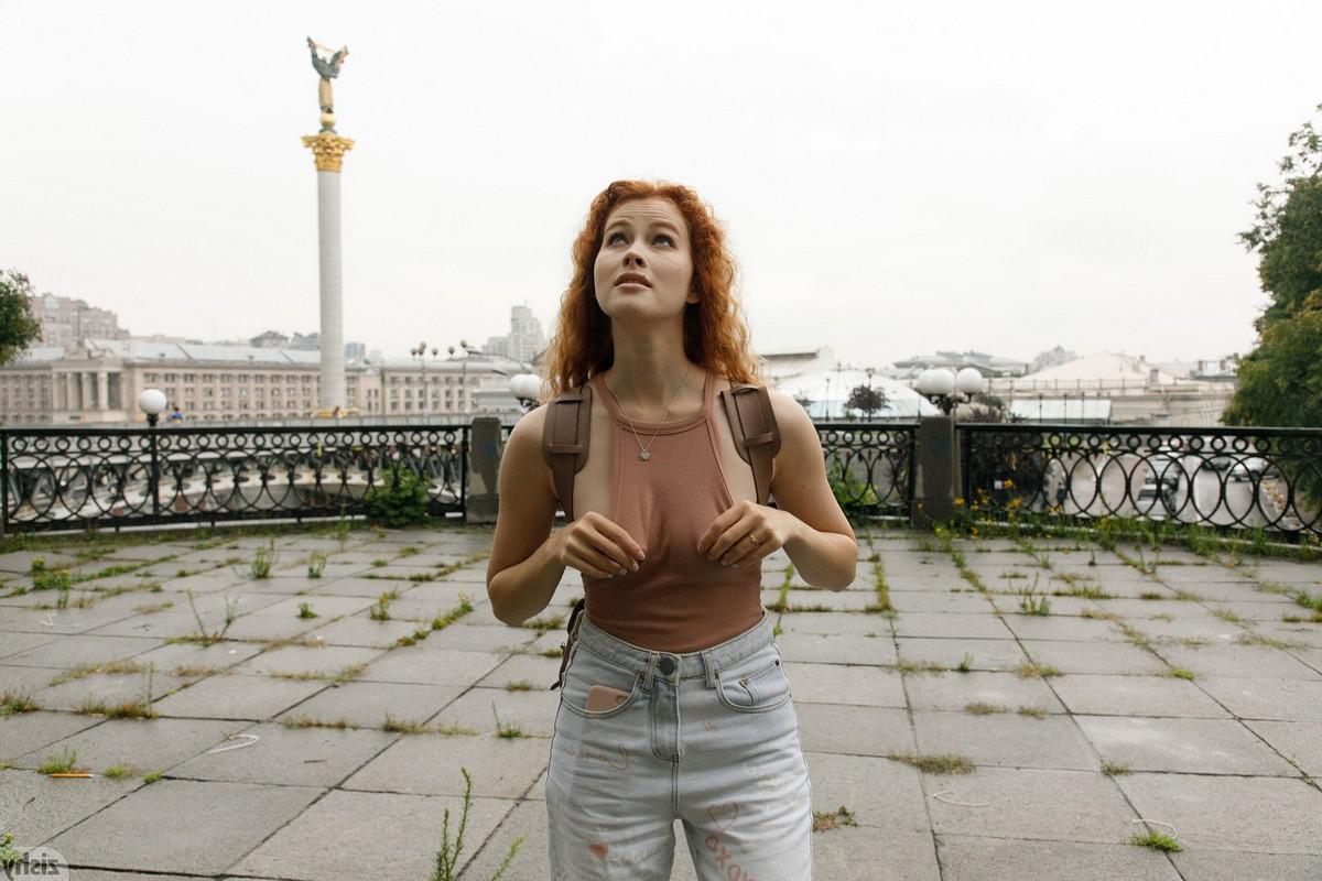 actrice lara latex bdsm